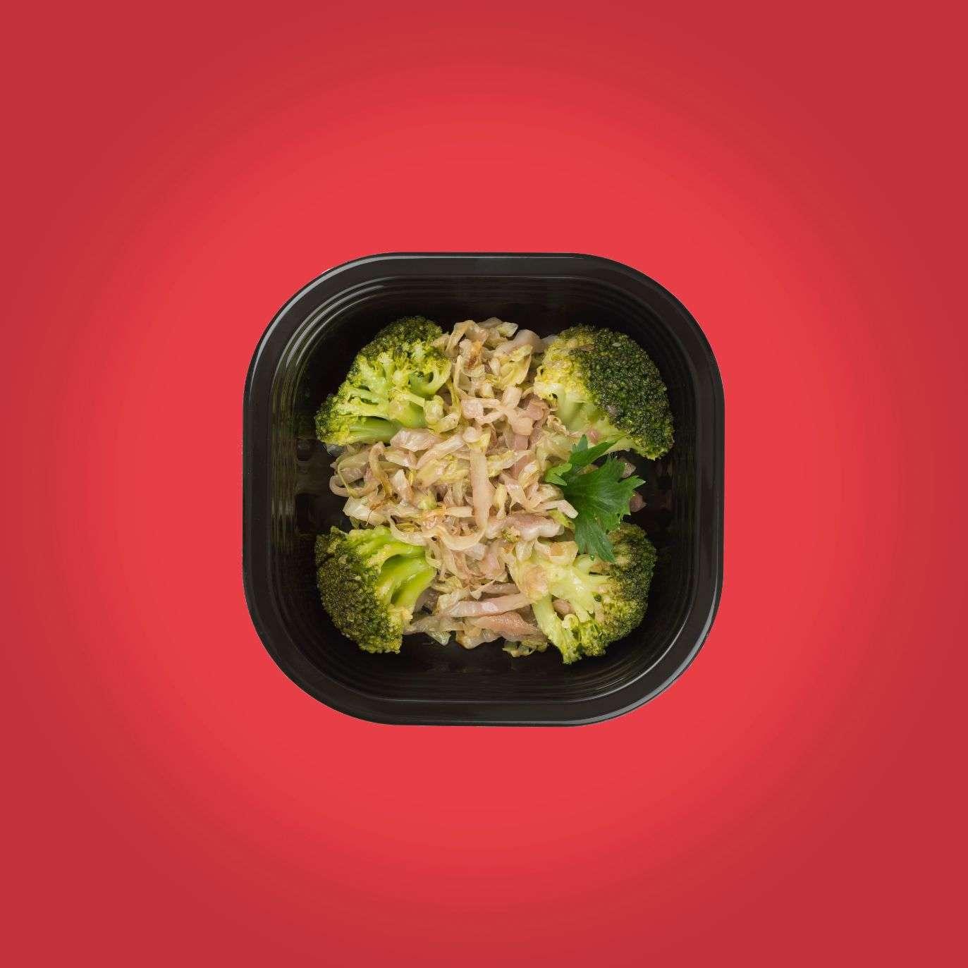 Broccoli e cavoli brasati al vino rosso piatti pronti a domicilio senza glutine
