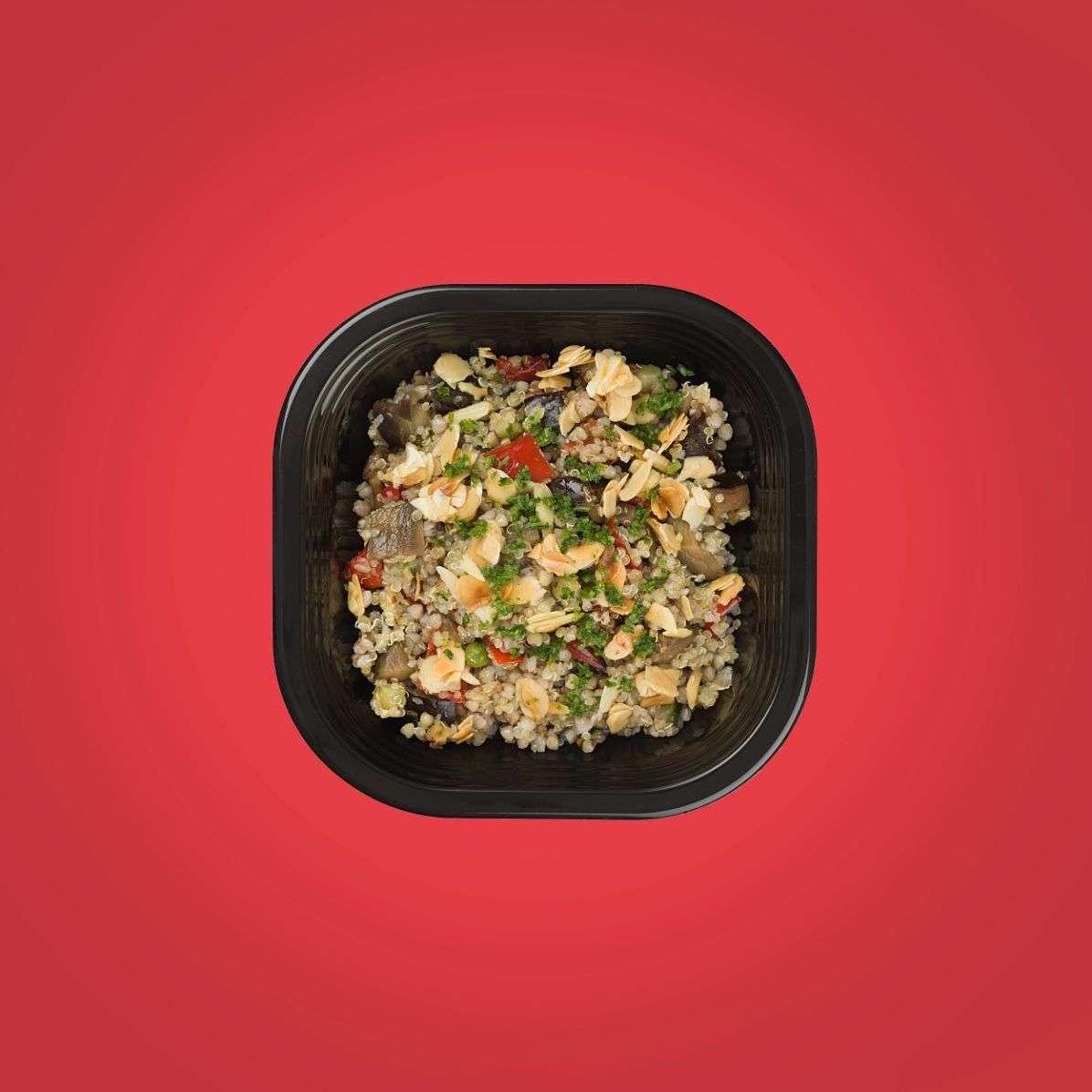 quinoa e grano saraceno in insalata di verdure croccanti copy