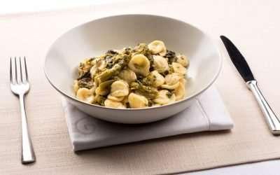 Pasta con broccoli e acciughe: un grande classico invernale
