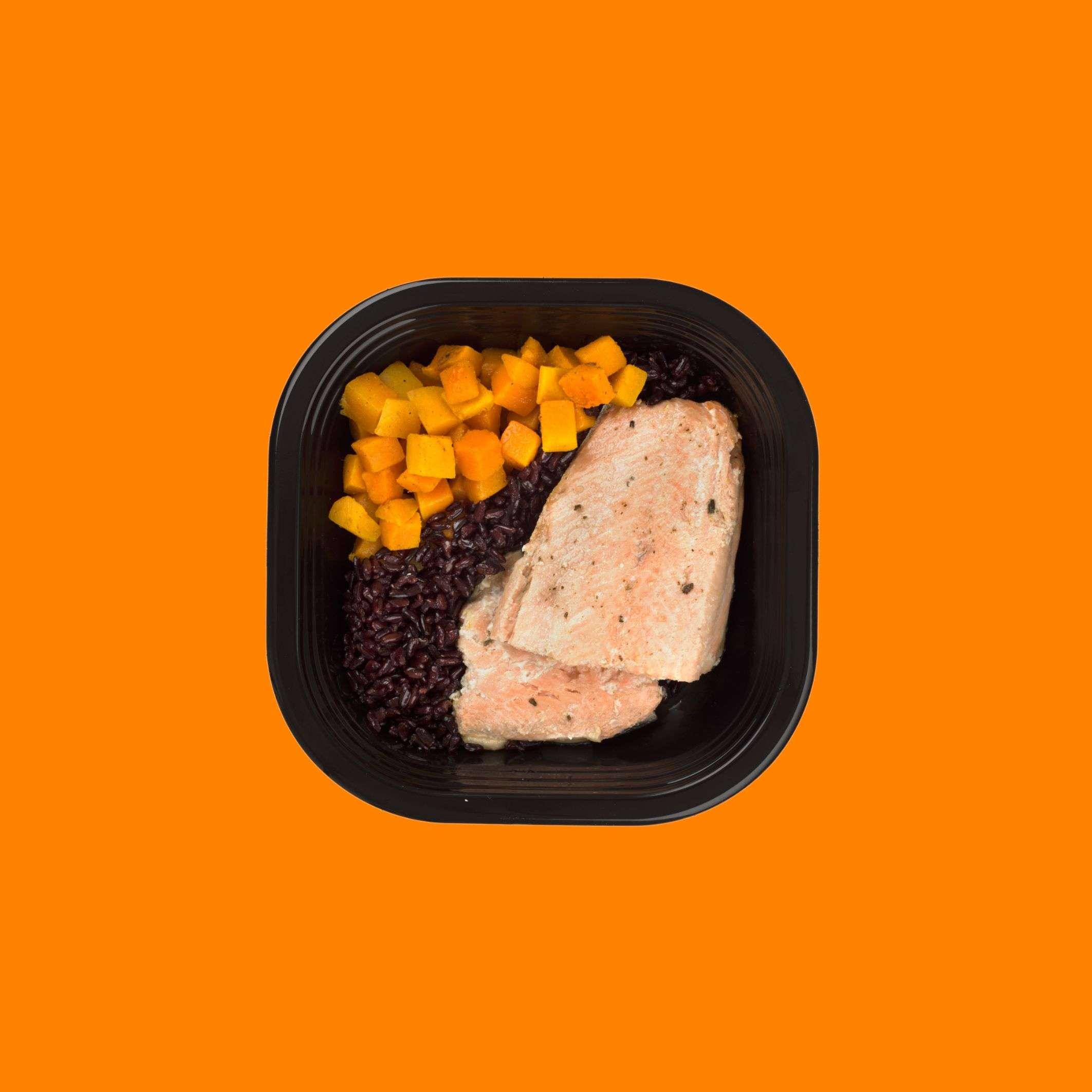 salmone-zucca-riso-nero-integrale