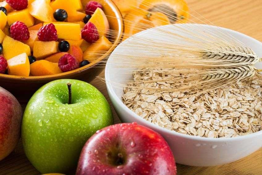 Quali alimenti contengono fibre e perché fanno bene