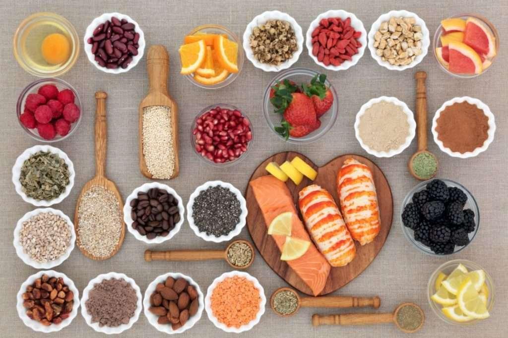 alimenti-da-mangiare-la-sera-pasta-pane-cereali-alimenti-magri
