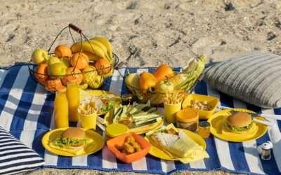 Cosa mangiare in spiaggia: il menu leggero a prova di afa